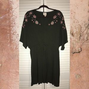 NWOT Knox Rose Embroidered Dress Olive Green